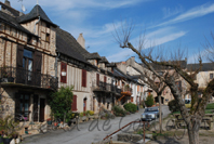 photo de la place du Faubourg, Najac